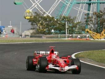 Renault и Ferrari показали лучшее время в свободных заездах в Японии