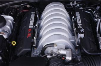 Chrysler покажет мощные 300C и Jeep Grand Cherokee в Женеве