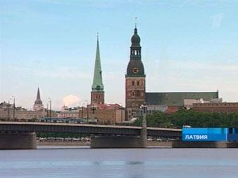Латвийцев будут лишать водительских прав за неуплату алиментов
