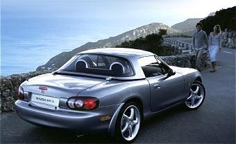 Купе-кабриолет Mazda MX-5 покажут в июле