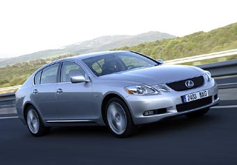 В России стартовали продажи гибридного Lexus GS 450h