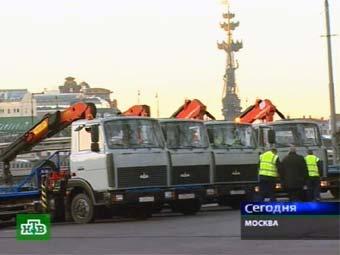 От нового здания Верховного суда эвакуировали все автомобили