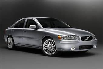 Volvo решила немного обновить модель S60
