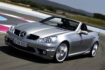 Mercedes SLK продолжает удерживать лидерство в своем сегменте
