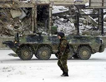 Нетрезвый солдат на БТР врезался в два автомобиля