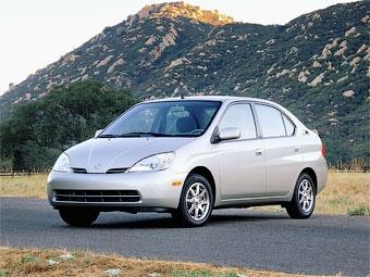 """Компания Toyota отозвала старые """"Приусы"""" по всему миру"""
