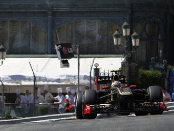 Виталий Петров разбился на Гран-при Монако