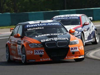 Венгерский гонщик финишировал на подиуме в домашней гонке WTCC