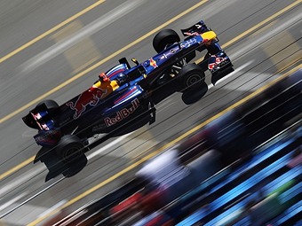 Феттель показал лучшее время в первой практике Гран-при Монако