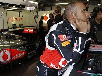 Хэмилтон переложил на соперников вину за столкновения в Монако