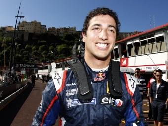 Даниэль Риккардо выиграл гонку Формулы-Renault 3.5 в Монако