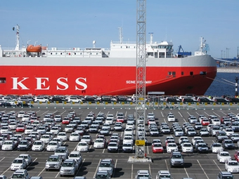 Экспорт японских машин сократился втрое из-за последствий землетрясения