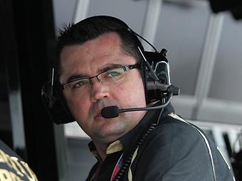 Руководитель команды Renault потребовал от Хайдфельда ездить быстрее