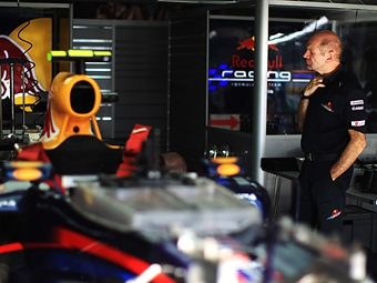 В команде Red Bull недооценили сложность системы KERS