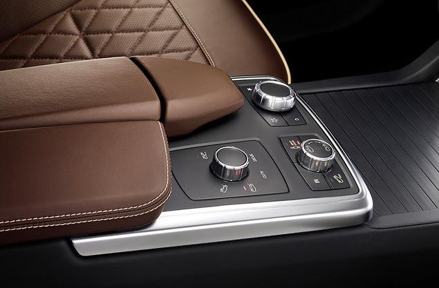 Знакомимся с новым Mercedes-Benz ML в статике. Фото 1