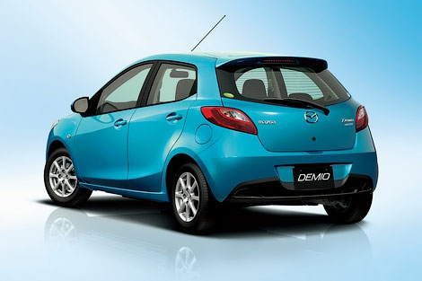 В Японии прошла презентация хэтчбека Mazda2 с новым 1,3-литровым мотором с прямым впрыском топлива
