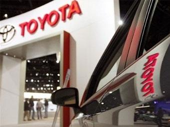 """Из-за землетрясения в Японии прибыль """"Тойоты"""" сократится на треть"""