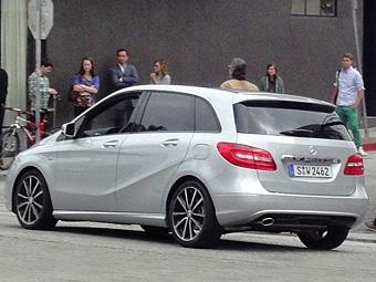 Новый Mercedes-Benz B-Class сфотографировали без камуфляжа