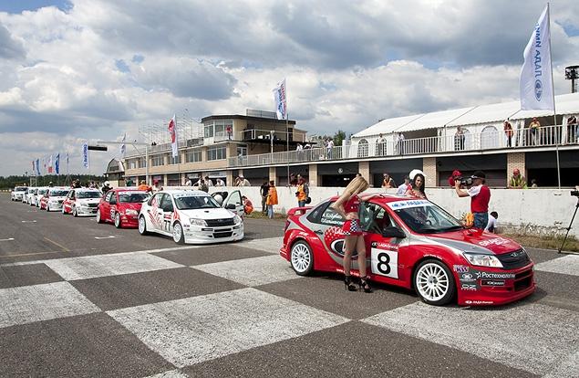 АвтоВАЗ создал гоночную моносерию на автомобилях Lada Granta. Фото 2