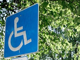 В России увеличились штрафы за парковку на местах для инвалидов
