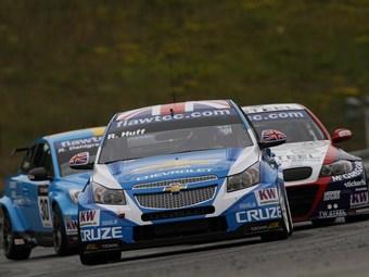 Роберт Хафф выиграл первую гонку WTCC в Чехии