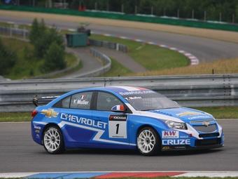 Иван Мюллер принес Chevrolet очередную победу в гонке WTCC