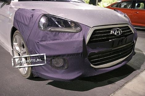 В интернете появились шпионские снимки хэтчбека Hyundai Veloster с 208-сильным турбированным двигателем. Фото 2