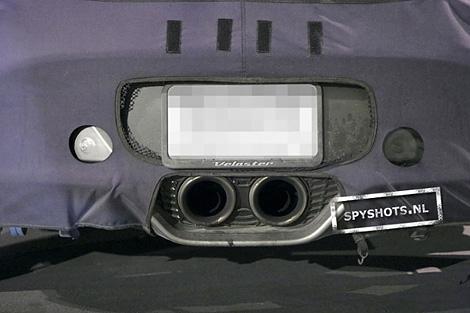 В интернете появились шпионские снимки хэтчбека Hyundai Veloster с 208-сильным турбированным двигателем. Фото 3