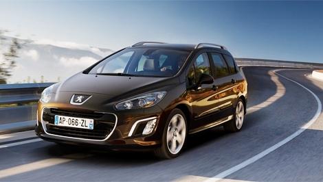 Обновленный Peugeot 308 в России будет стоить от 549 тысяч рублей, а версия с автоматом - от 586 тысяч