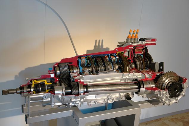 Тест-драйв гибридного кроссовера Audi Q5 Hybrid. Фото 3