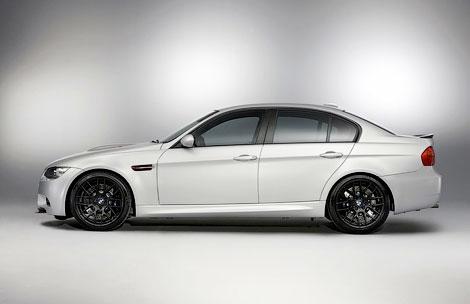 Компания BMW рассекретила седан M3 CRT с карбоновыми кузовными панелями. Фото 1