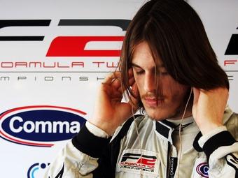 Братт выиграл дождевую гонку Формулы-2 в Бельгии