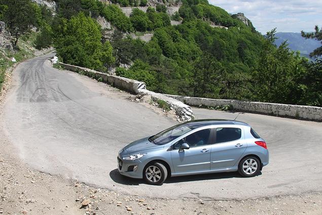Тест-драйв обновленного семейства Peugeot 308. Фото 3