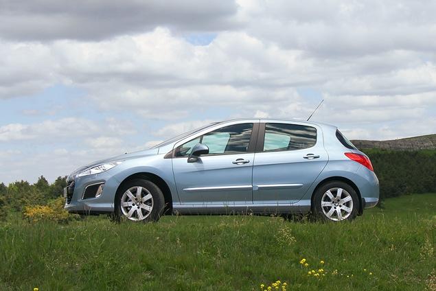 Тест-драйв обновленного семейства Peugeot 308. Фото 10