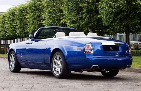 Rolls-Royce Phantom Drophead Coupe получил шкатулку с драгоценностями в перчаточном ящике