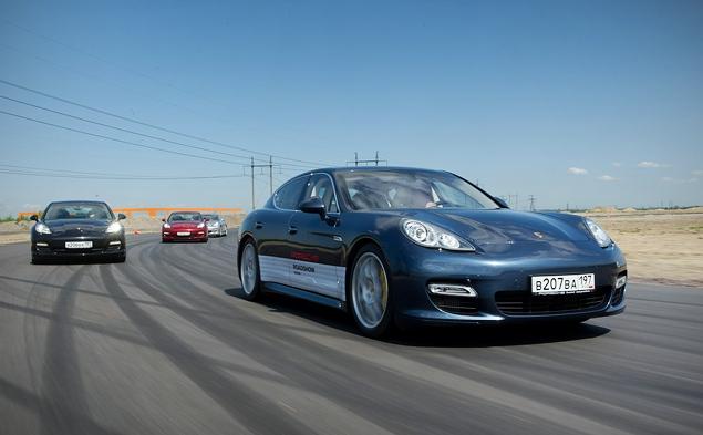 Ездим на Porsche по недостроенной трассе в Шушарах. Фото 4