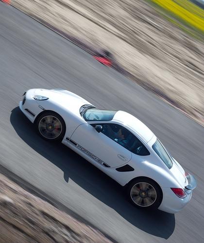 Ездим на Porsche по недостроенной трассе в Шушарах. Фото 5