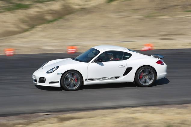 Ездим на Porsche по недостроенной трассе в Шушарах. Фото 7