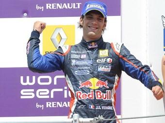 Вернь превзошел всех соперников на венгерском этапе Формулы-Renault 3.5
