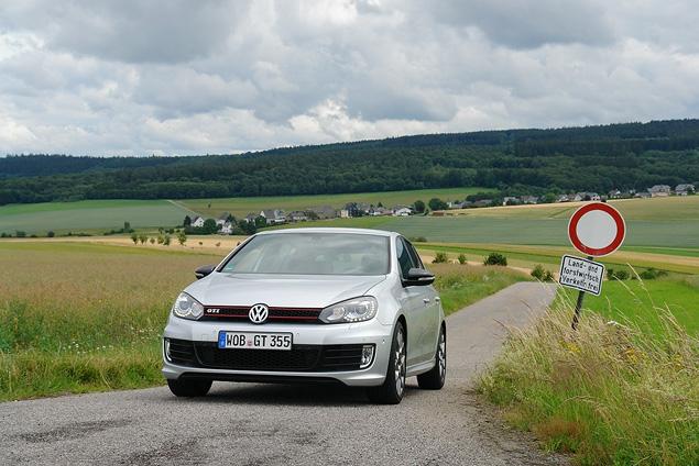 Тест-драйв юбилейной версии VW Golf GTI