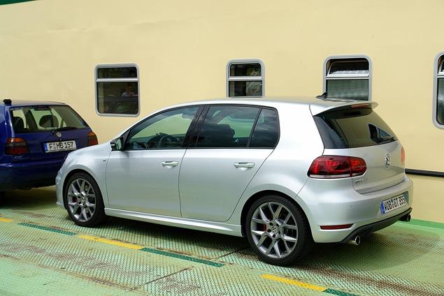 Тест-драйв юбилейной версии VW Golf GTI. Фото 1