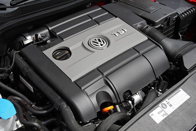 Тест-драйв юбилейной версии VW Golf GTI. Фото 3