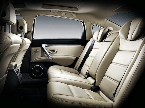 Компания Samsung Motors распространила изображения интерьера седана SM7