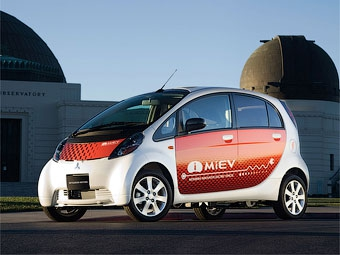 Mitsubishi показала бюджетную и продвинутую версию i-MiEV