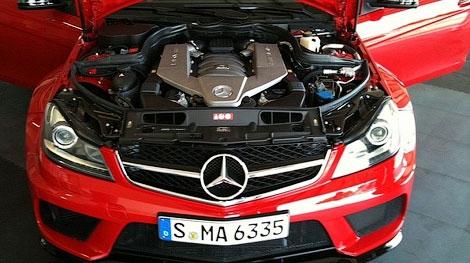 """Опубликованы первые фотографии """"Черной серии"""" купе Mercedes-Benz C63 AMG. Фото 2"""