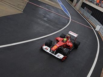 Фелипе Масса стал быстрейшим на свободных заездах Формулы-1 в Сильверстоуне