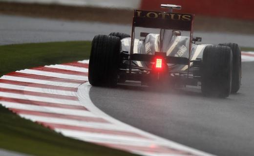 FIA ввела разные правила работы двигателей для Renault и Mercedes