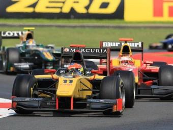Роман Гросжан выиграл спринтерскую гонку GP2 в Сильверстоуне