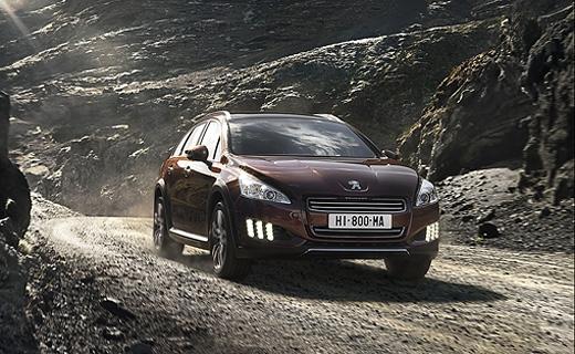 Компания Peugeot представила гибридный вседорожный универсал