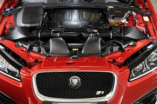 Тест-драйв обновленного Jaguar XF. Фото 4